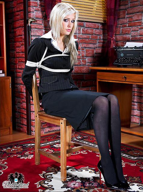 Blonde Tied 18