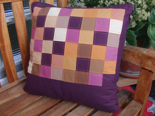 BerlinModernQuiltGuild-Challenge - My Pillow Front B | by ayliN--Nilya