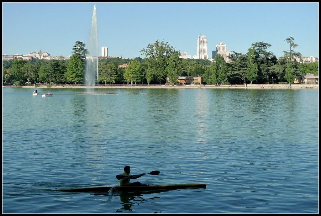El lago de la Casa de Campo, Madrid. | M Roa | Flickr