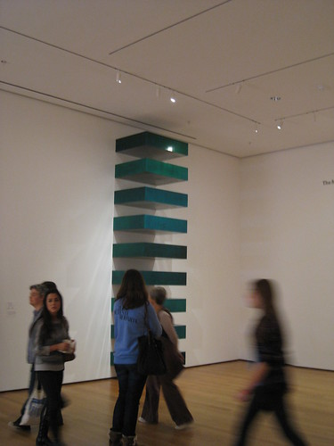 Donald judd untitled stack with viewers donald judd for Donald judd stack 1972