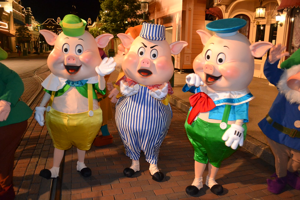 meeting the three little pig on main street