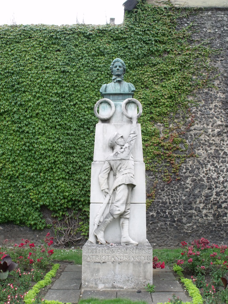 Memorial To Edith Cavell Tombland Norwich The Grounds