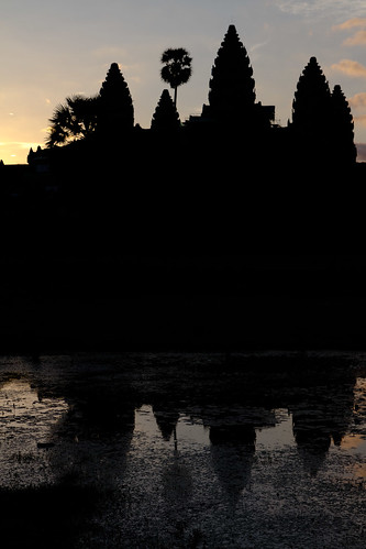 Sunrise at Angkor Wat | by elchiners