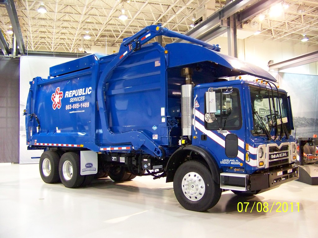 Brand New Volvo Truck For Sale >> Republic Services Mack MRU613 Front Loader | A brand new CNG… | Flickr