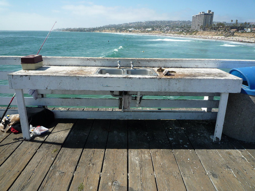 Fish cleaning table san diego ca usa july 2011 for Fish cleaning board