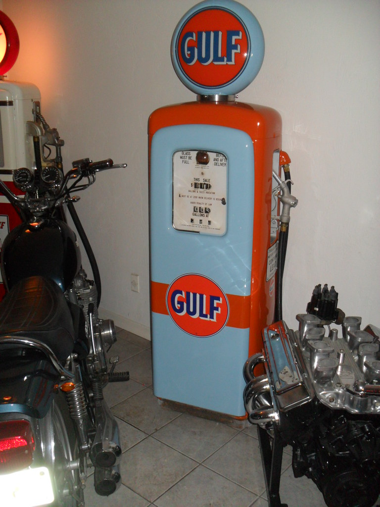Gas Pumps For Sale >> Gulf gas pump | Just like in the 70's at the 24 hours of LeM… | Flickr
