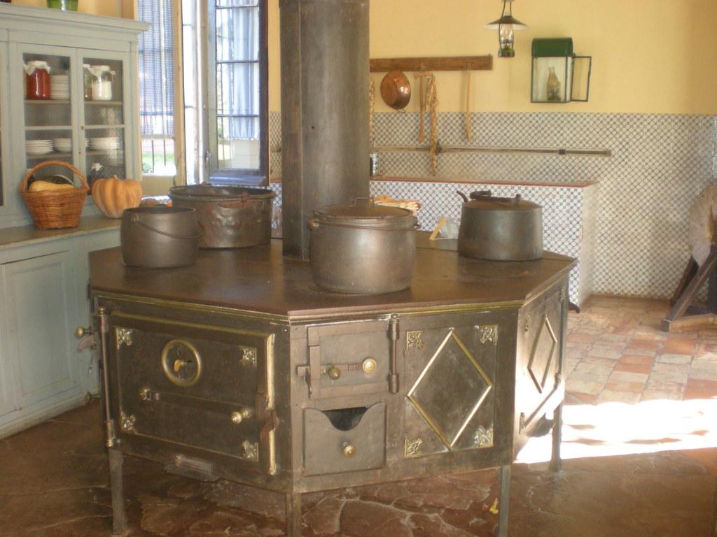 Cocina del palacio san jos cocina econ mica a le a e - Cocina economica lena ...