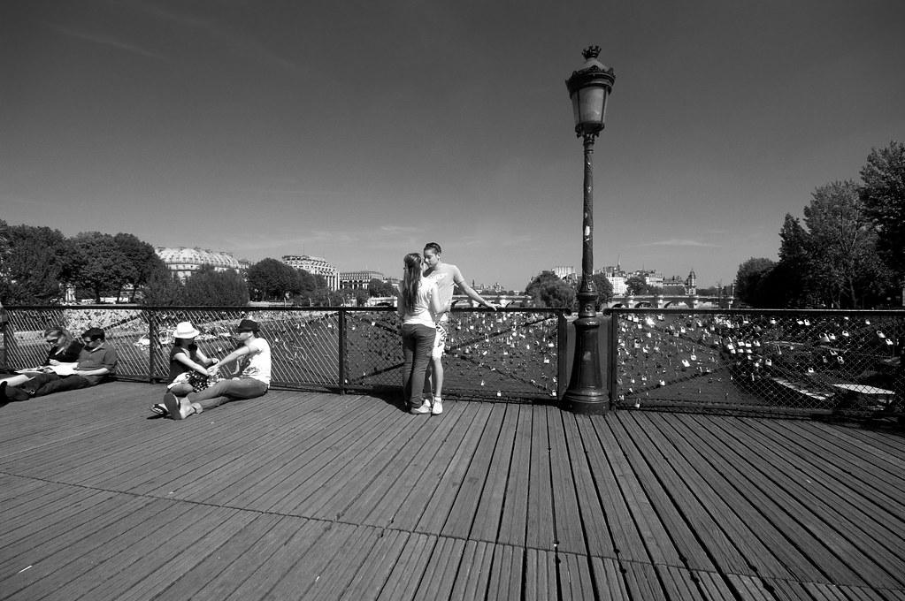 le pont des amoureux le pont des arts paris les amoure flickr. Black Bedroom Furniture Sets. Home Design Ideas