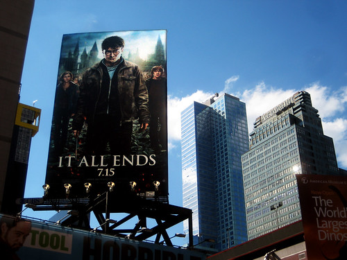 it all ends hp7 harry potter seven pt2 movie billboard
