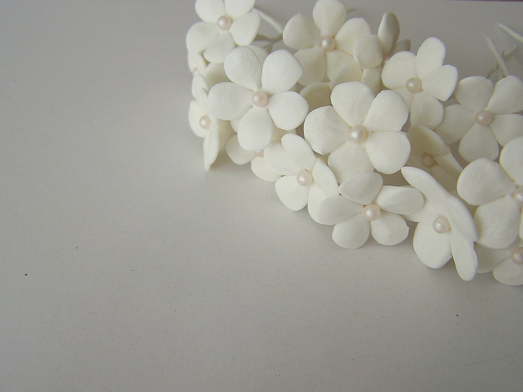 White Filler Flowers For Orchid Cake Topper 3 White Pulled Flickr