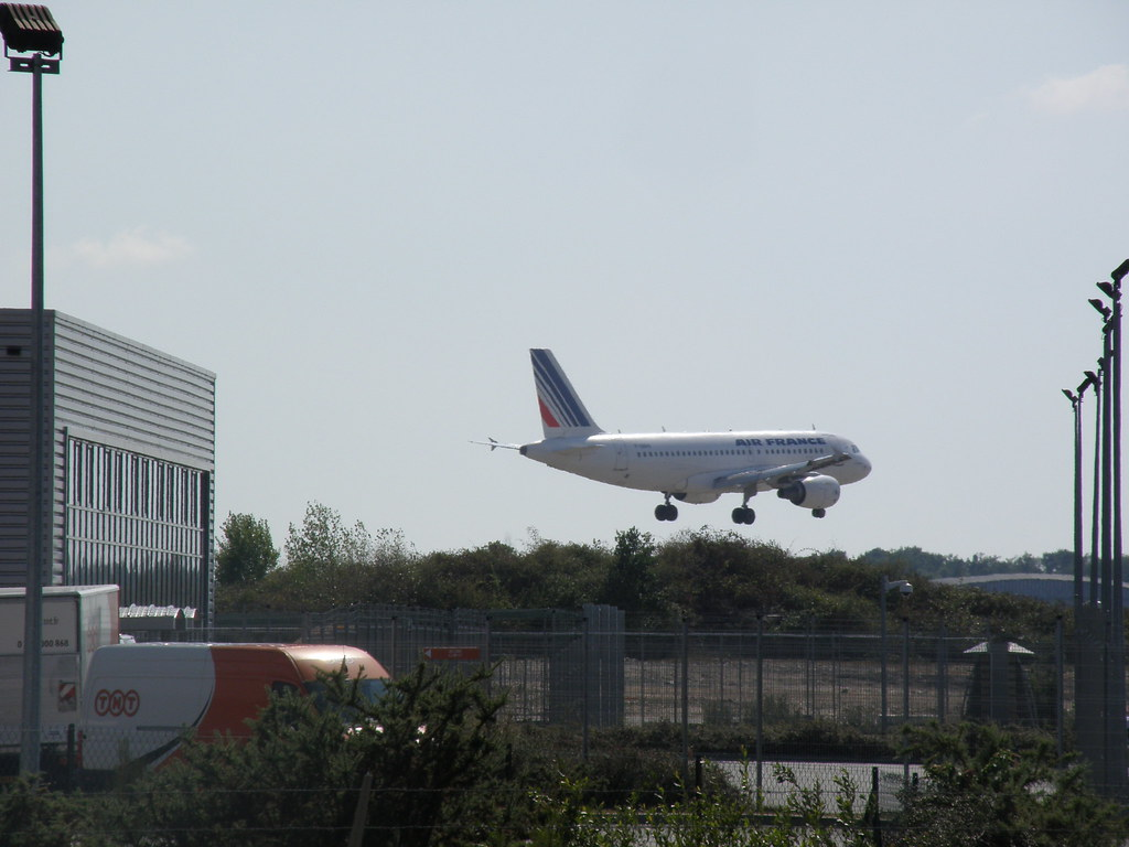 bordeaux airport airport