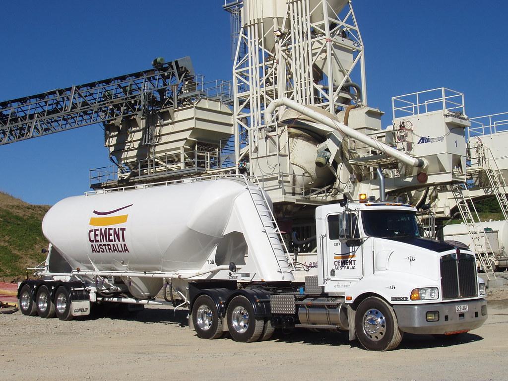 T401 Kenworth (2) cement tanker   Cement tanker unloading ...