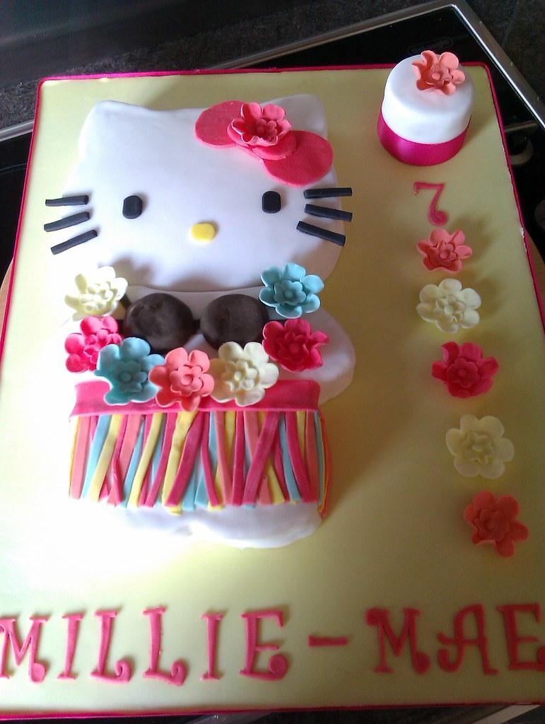 Maries Manor Hello Kitty: Hawaii Hello Kitty / Aloha Kitty Cake