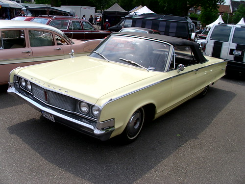 Chrysler Newport Convertible 1965 -1- | by Zappadong