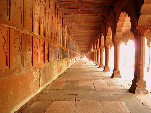 Beautiful Red Sandstone Architecture next to Taj Mahal | by johnshlau