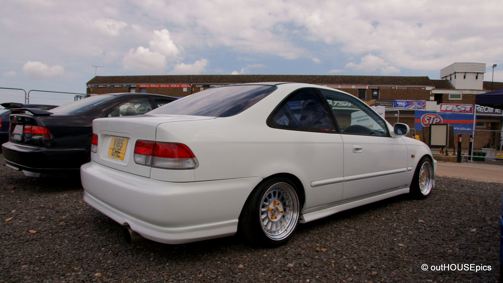 White Ek Coupe On Image Splits Outhousepics Flickr