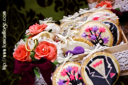 Shabby Chic icing cookies hantaran | by Lonia | The Sweet Tooth Fairy