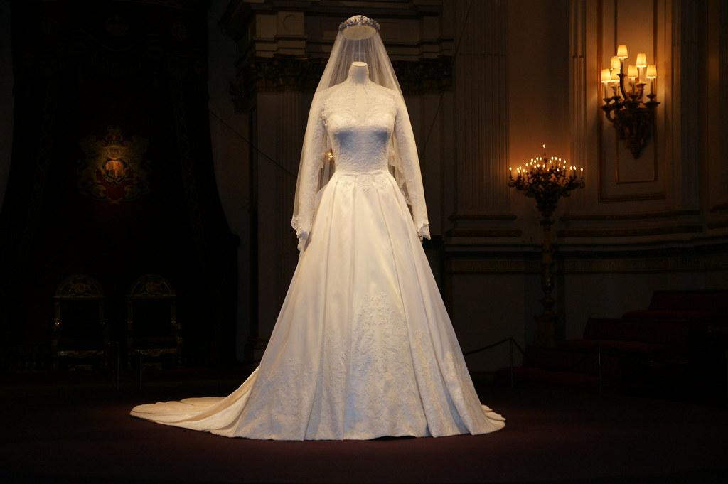 The duchess of cambridge 39 s wedding dress the duchess of for British royal wedding dresses