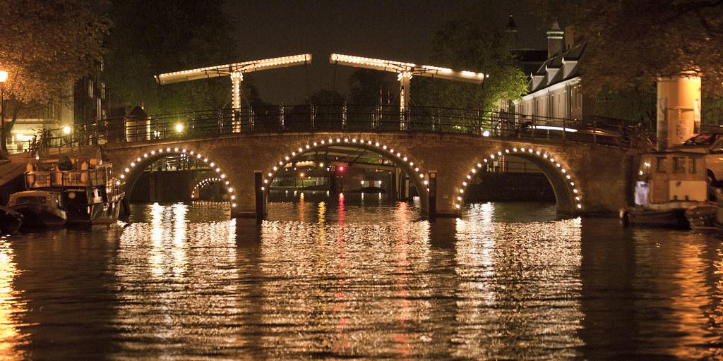 amsterdam bridge at night cruise amsterdam bridge