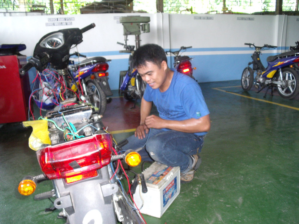 philippines real motorcycle mechanic by pcdepotbakari philippines real motorcycle mechanic by pcdepotbakari