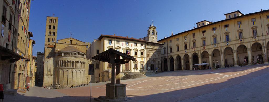 Arezzo Piazza