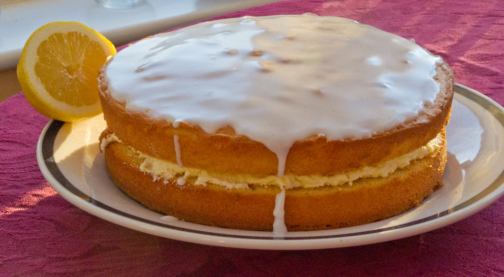 Lemon Drizzle Cake With Lemon Curd Centre