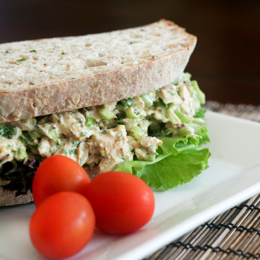 Simple tunafish sandwich 3 a low fat and healthy version for Is tuna fish healthy