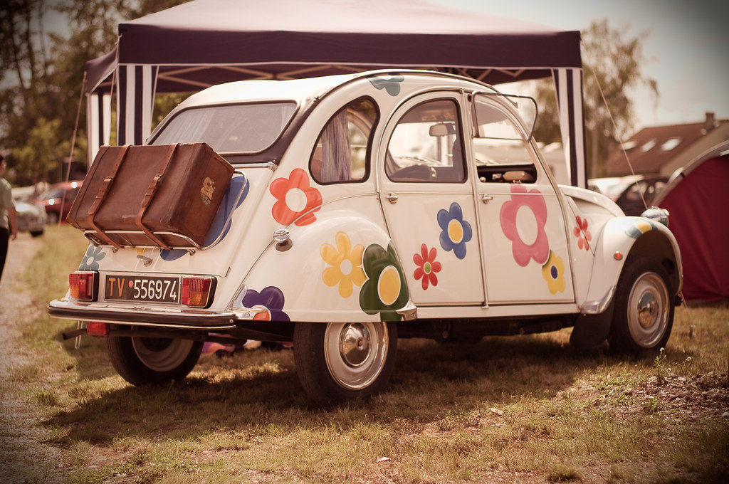 2cv flower power 19 me rencontre mondiale des amis de la 2 flickr. Black Bedroom Furniture Sets. Home Design Ideas