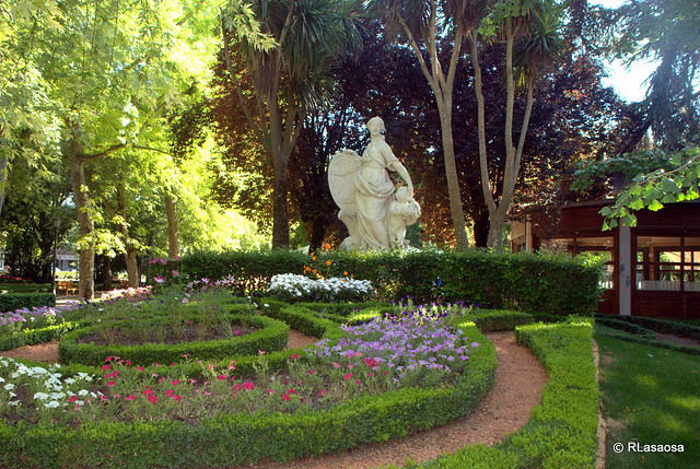La taconera pamplona flickr photo sharing for Jardines de la taconera
