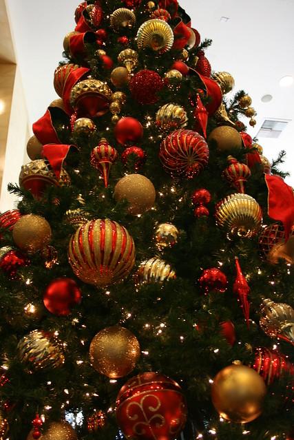 Red and gold christmas tree flickr photo sharing - Arboles de navidad dorados ...