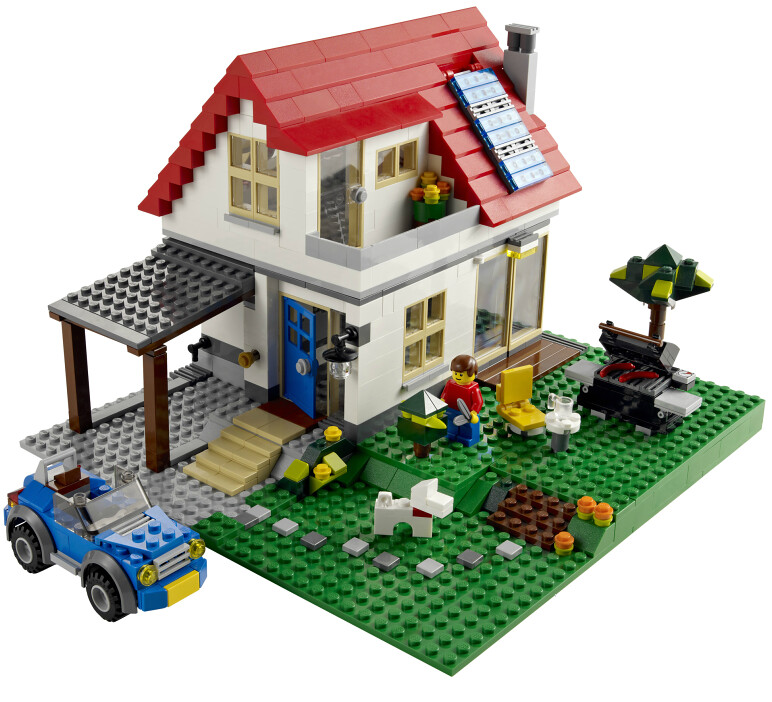 lego house 5771 with solar panels daniel bowen flickr. Black Bedroom Furniture Sets. Home Design Ideas