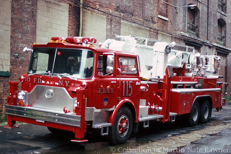 fdny ladder 115 mack tower ladder 115 nice and shiny re flickr