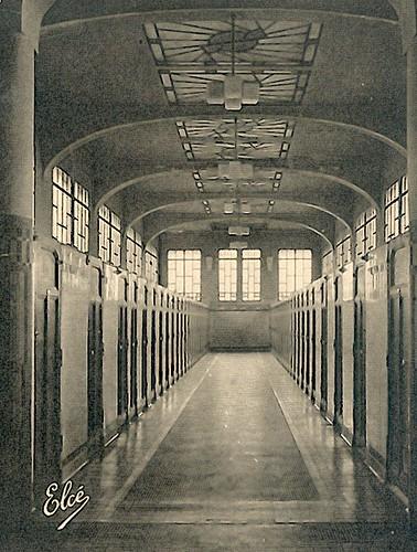 Piscine les bains cabines 1930 ville de b gles flickr for Piscine de begles