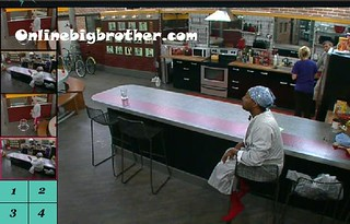 BB13-C4-7-29-2011-1_32_33.jpg | by onlinebigbrother.com