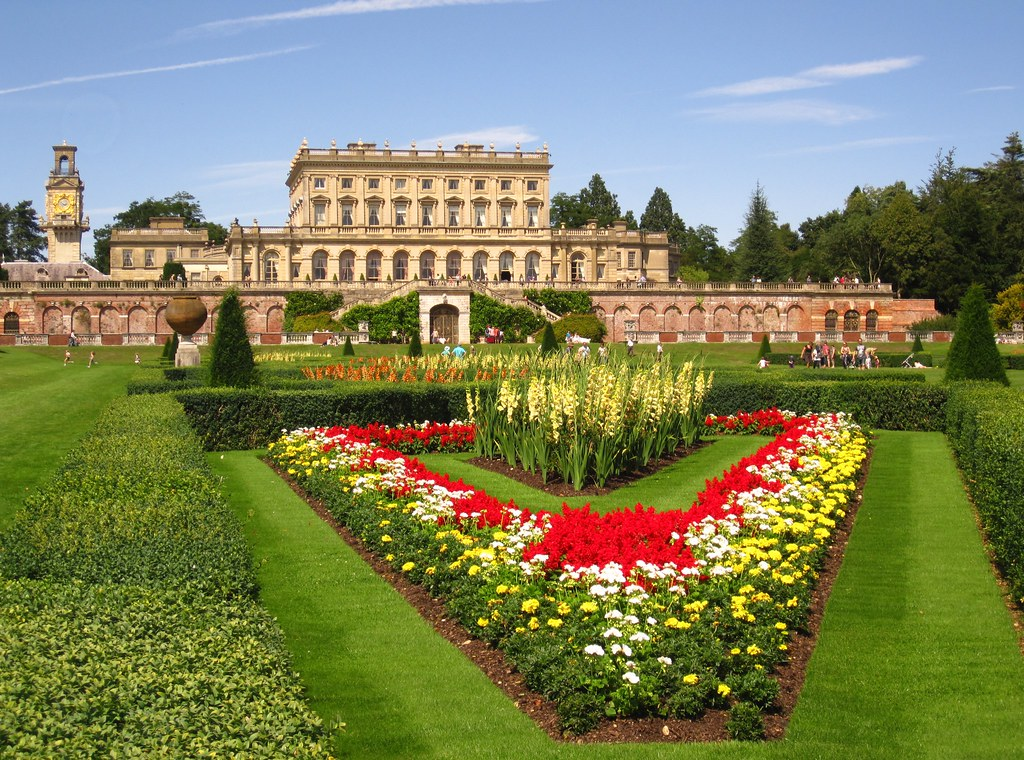 Cliveden from the parterre john hackston flickr for Parterre 3d