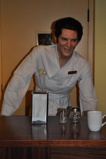 Wax Figure: Elvis Pres...
