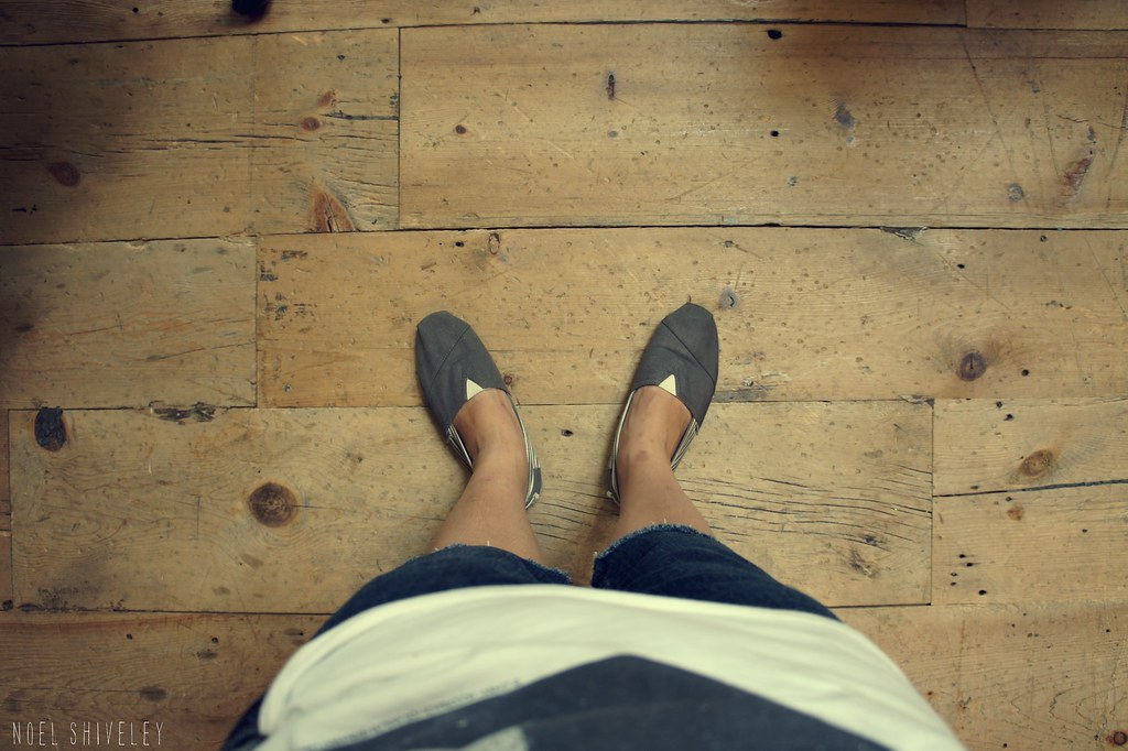 toms on