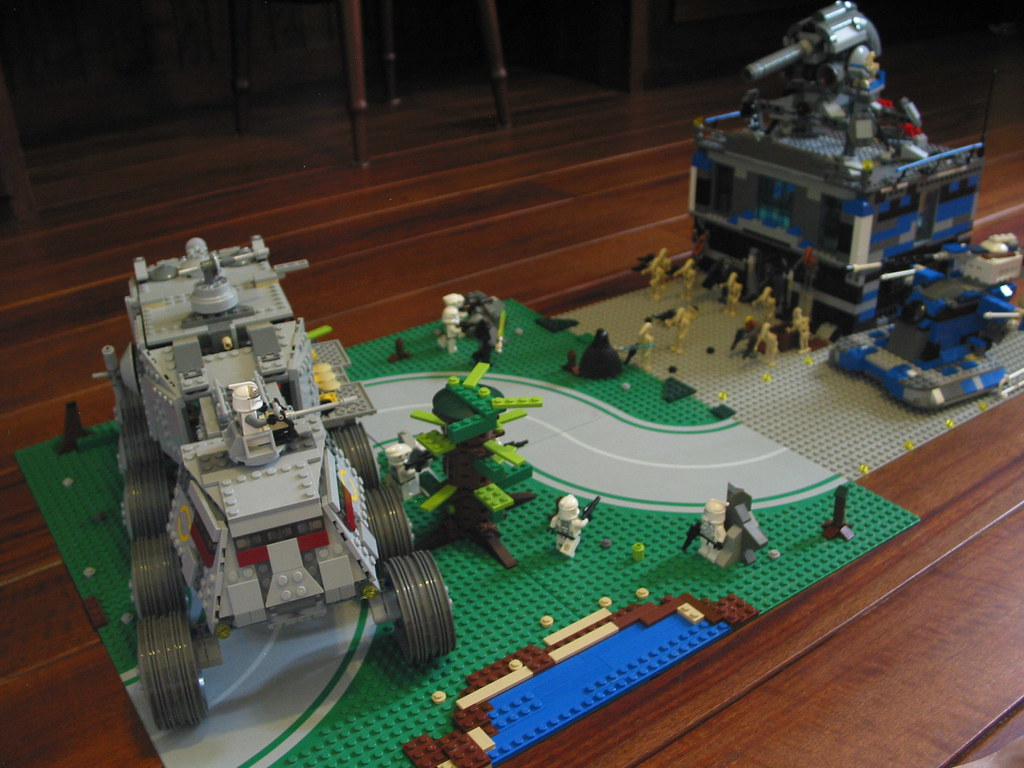 Lego star wars droid base on saleucami its finally done i flickr - Lego star wars base droide ...