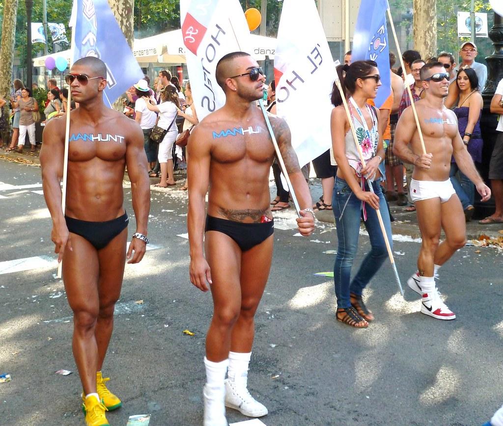 Gay pride barcelona 2011 2 joven 60 flickr for Chat gay gratis bcn