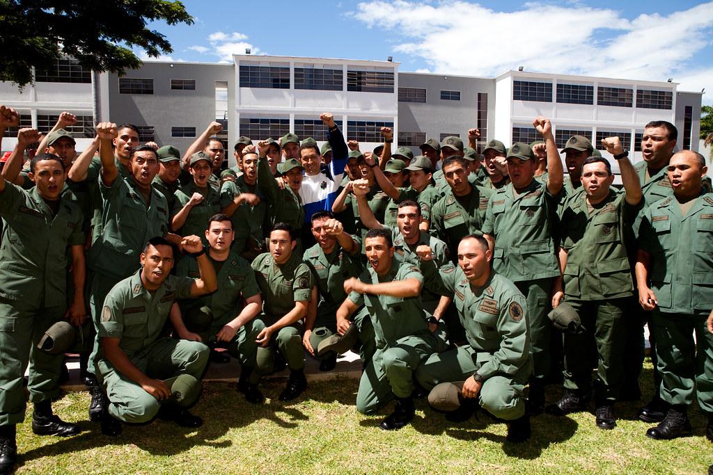 Resultado de imagen para chavez academia militar de venezuela