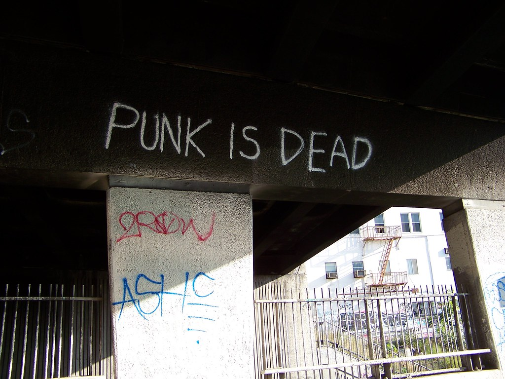 Резултат с изображение за punk is dead graffiti