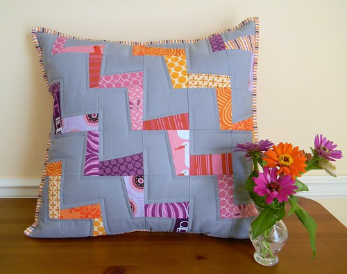 wonky zigzag pillow | by teaginny