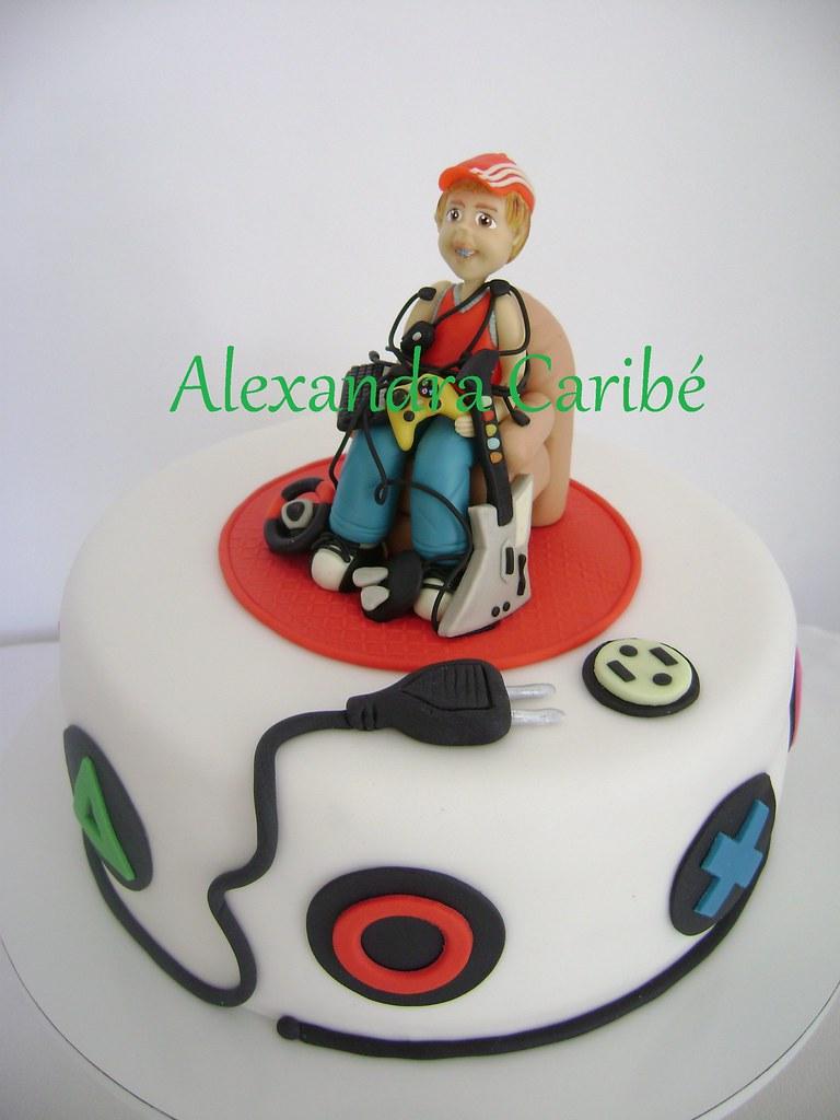 Bolo adolescente- teenager games cake | Alexandra Caribé ...