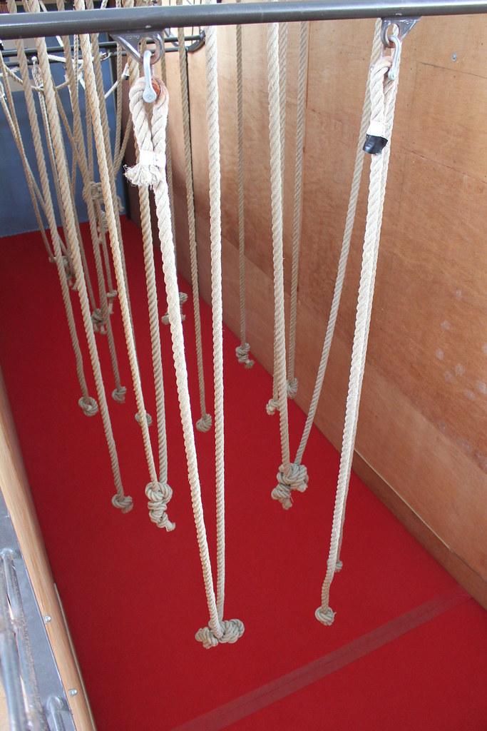 Piscine les bains aire de motricit for t de cordes for Piscine de begles