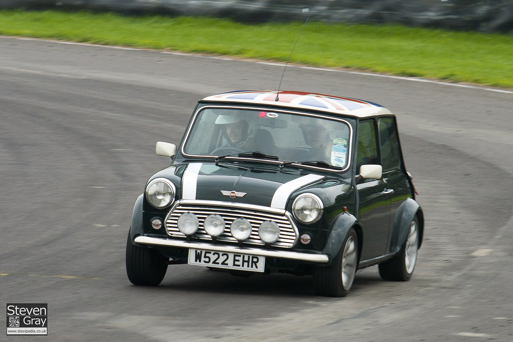 Rover Mini Cooper British Racing Green 2011 Mini World