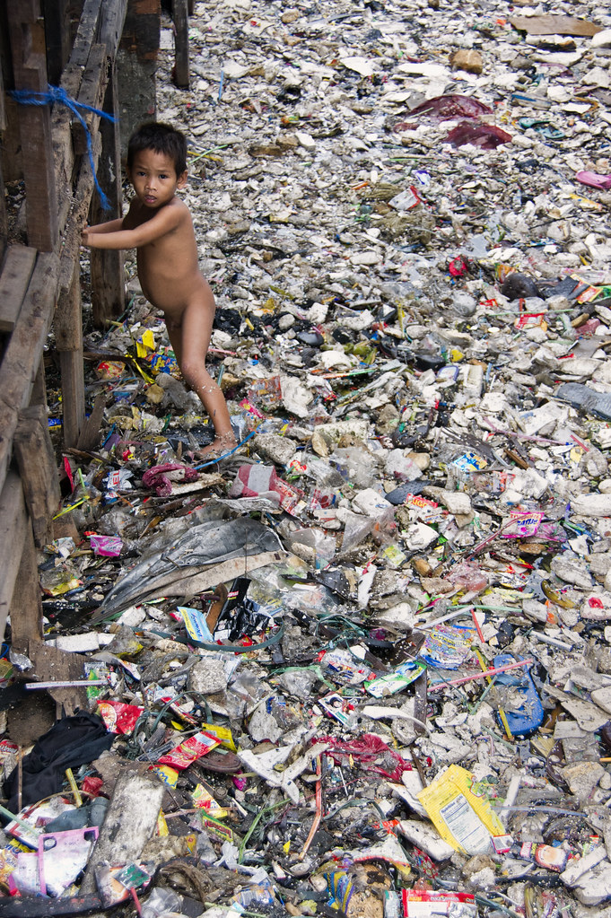 """a research on the smokey mountain garbage dump in the philippines While iloilo is host to many """"firsts"""" in the philippines,  smokey mountain is essentially a slum built on a garbage dump."""