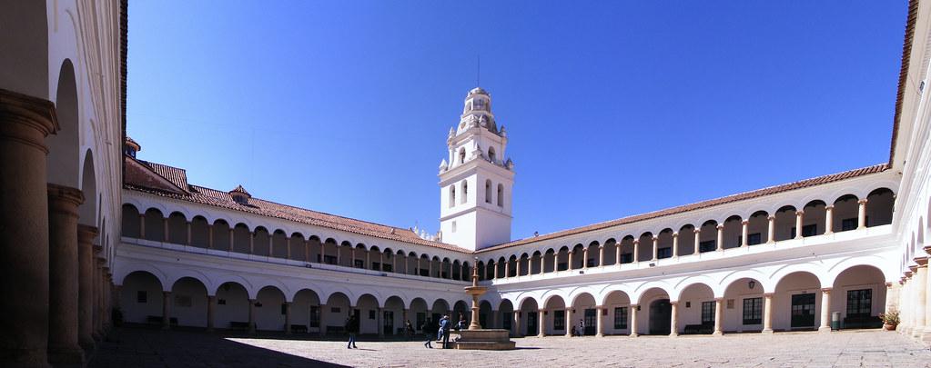 panorámica de la Universidad San Francisco Xavier de Chuqu ...