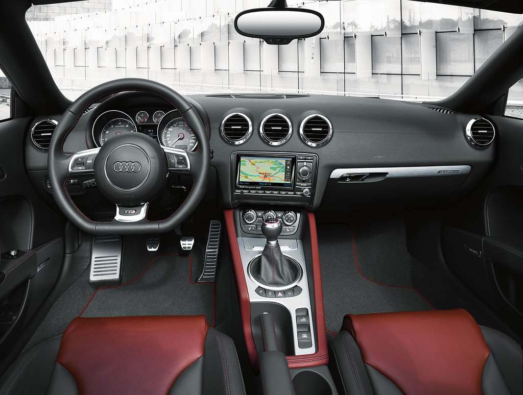 Audi tts coupe roadster interior silk nappa leather in mag flickr for Black casket with red interior