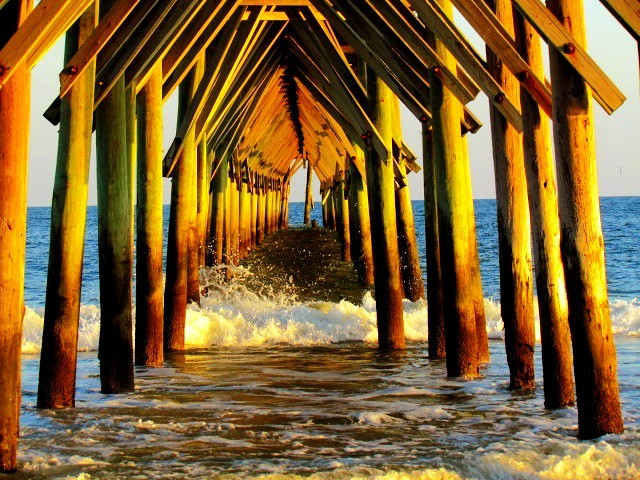 Under seaview fishing pier n topsail beach nc g for Seaview fishing pier