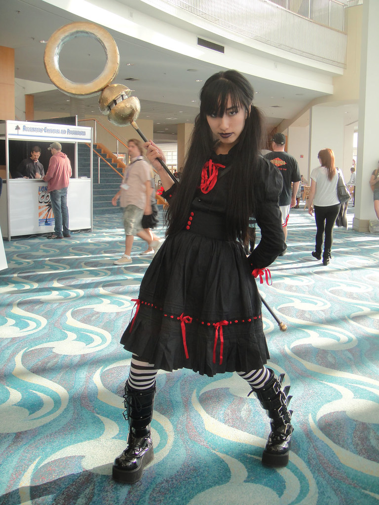 Long Beach Comic & Horror Con 2011 - Nico Minoru from Runa ...
